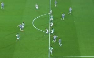 La imagen del fuera de juego de Benzema