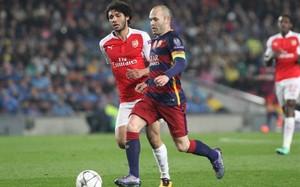 Andrés Iniesta sintió molestias durante el partido ante el Arsenal