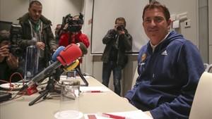 Xavi Pascual compareció ante la prensa a su llegada a Barcelona
