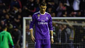 Cristiano Ronaldo, desesperado por el mal juego y la derrota blanca