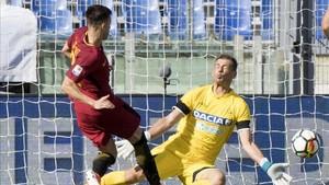 El Shaarawy marcó el tercer gol de la Roma con este disparo