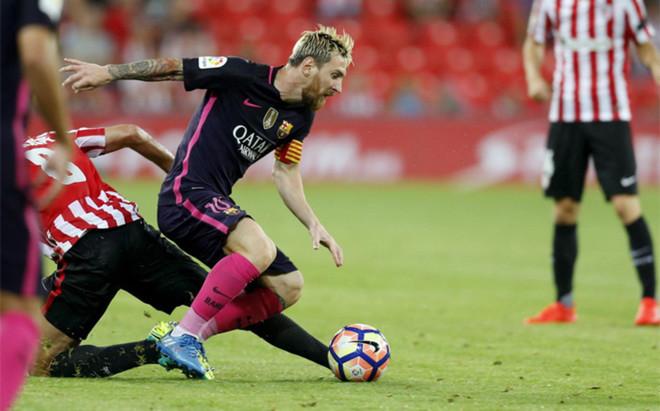 Leo Messi acab� tocado tras el partido del FC Barcelona en San Mam�s (0-1)