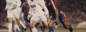 Romario acaba de hacer su famosa 'cola de vaca' a Alkorta para batir a Buyo. Ocurrió el ocho de enero de 1994, la inolvidable noche en que el Dream Team venció por 5-0, con un hat-trick del brasileño y sendos goles de Koeman e Iván Iglesias