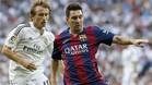 Luka Modric y Leo Messi durante el último Madrid-Barça