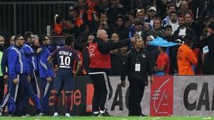 Neymar se enfrentó a los seguidores del Olympique de Marsella