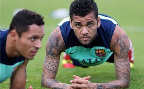Alves y Adriano muy cerca del alta médica