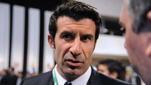 Figo celebró su incorporación a la UEFA