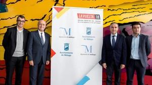 Javier Guillén, estuvo acompañado por el alcalde de Málaga, Francisco de la Torre, el presidente de la Diputación malagueña, Elías Bendodo, y los presidentes de los Centros Pompidou
