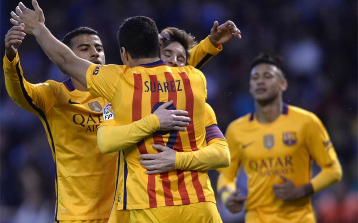 Luis Suárez lidera la borrachera goleadora del Barça al Deportivo