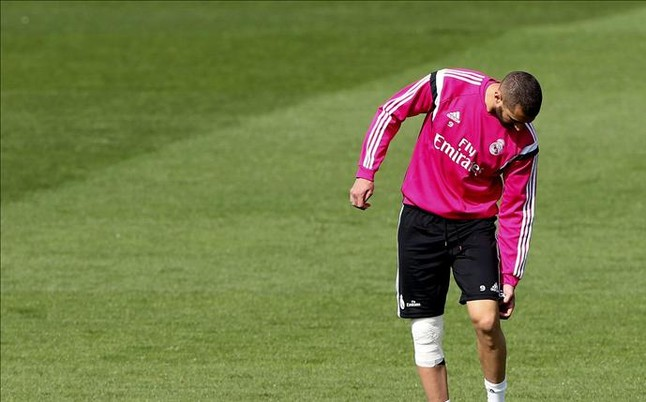 Benzema sigue al margen con molestias en la rodilla derecha