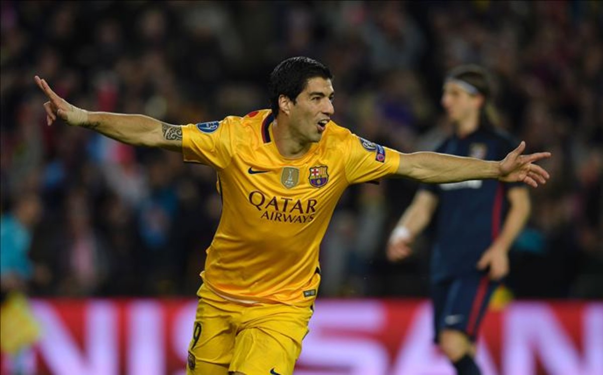 El Barça remonta al Atlético con el corazón de Suárez