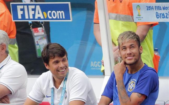 [Image: neymar-presente-banquillo-brasil-1405195162824.jpg]