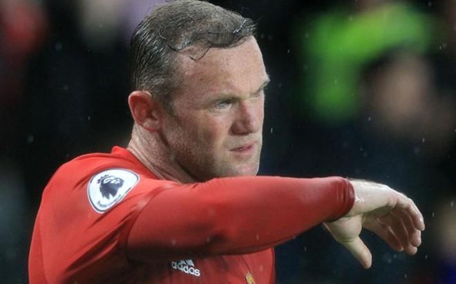 Rooney, en horas bajas