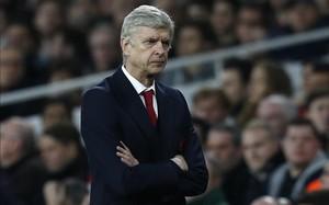 Wenger, molesto con la irregularidad del equipo