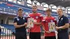 Carles Cuadrat, Juanan, Álvaro Rubio y Albert Roca posan con el cartel del partido organizado por el CF Blanes