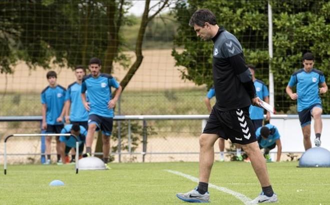 El argentino Mauricio Pellegrino, en su primer entrenamiento con el Alav�s