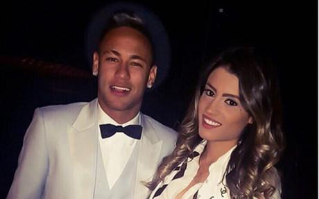 Neymar celebr� su fiesta de aniversario