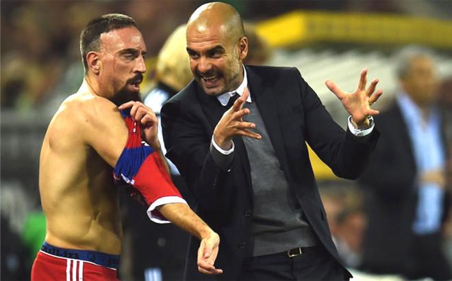 Rib�ry despreci� a Guardiola elogiando a Ancelotti y no nombr�ndole