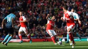 Santi Cazorla no puede jugar con el Arsenal desde 2016
