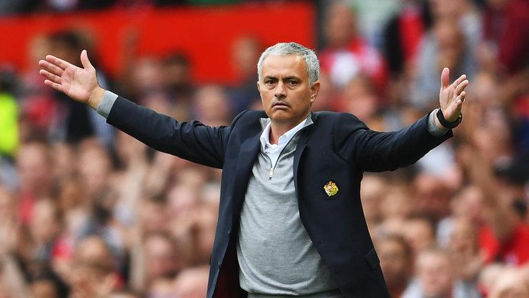 Mourinho le quiere robar un fichaje al Barça (ES)
