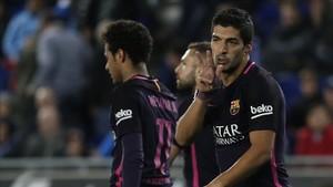 Luis Suárez firmó un doblete ante el Espanyol