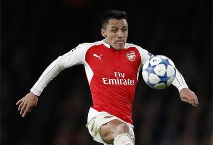 El Arsenal desea 'blindar' a Alexis