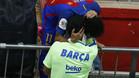 El bonito abrazo entre Neymar y Suárez