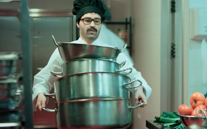 Iniesta se convierte en pinche de cocina seleccion - Test pinche de cocina ...