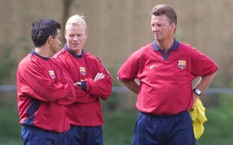 Moutinho y Koeman fueron los ayudantes de Van Gaal en el FC Barcelona