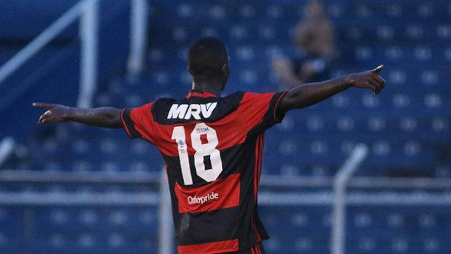 El golazo de Vinicius Jr. en el Flamengo - Cruzeiro (2-1)