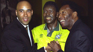 Edinho y Pelé, en una imagen de archivo