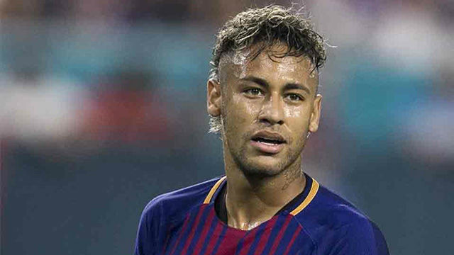 Neymar anuncia a sus compa eros que se va al psg for Coupe de cheveux de neymar 2014