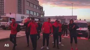 Los jugadores del PSG recibieron el ánimo de los radicales