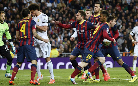 Messi fue el dueño del partido y se quedó el balón por su hat trick