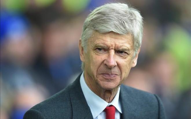 Wenger quiere hacer m�s fichajes antes del cierre del mercado de traspasos