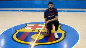 Vitor Faverani vivió su primer día como jugador del Barça Lassa