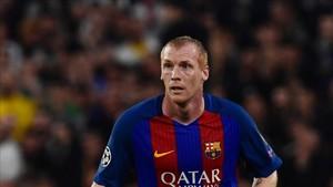 Mathieu sale del Barça
