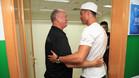 Cristiano Ronaldo con el entrenador del Guangzhou Evergrande, Luiz Felipe Scolari