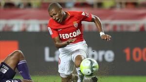 Mbappé ha empezado la temporada en el Mónaco, pero es una incógnita saber si la acabará allí