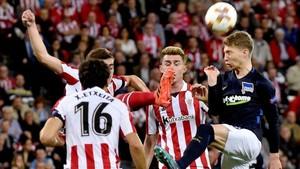 El Athletic se impuso al Hertha en San Mamés (3-2)