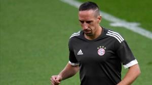 Frank Ribery volvió a tocar el césped