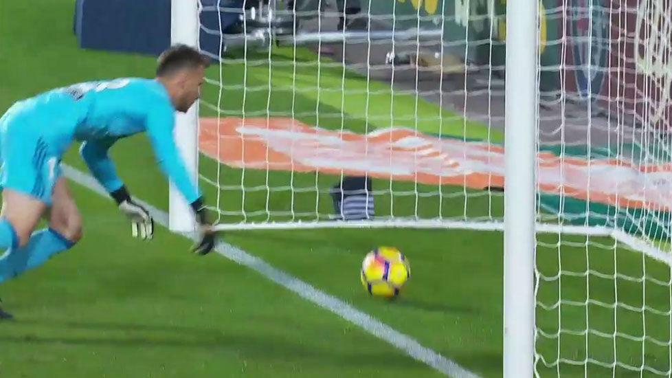 LALIGA | Valencia - FC Barcelona (1-1): El gol de Messi que el árbitro no concedió