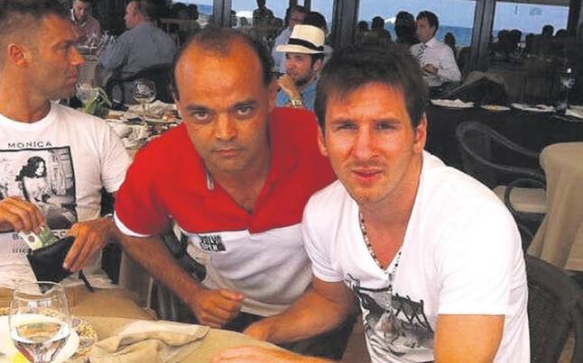 Messi ya est en castelldefels a la espera de la boda de - Casa de messi en castelldefels ...