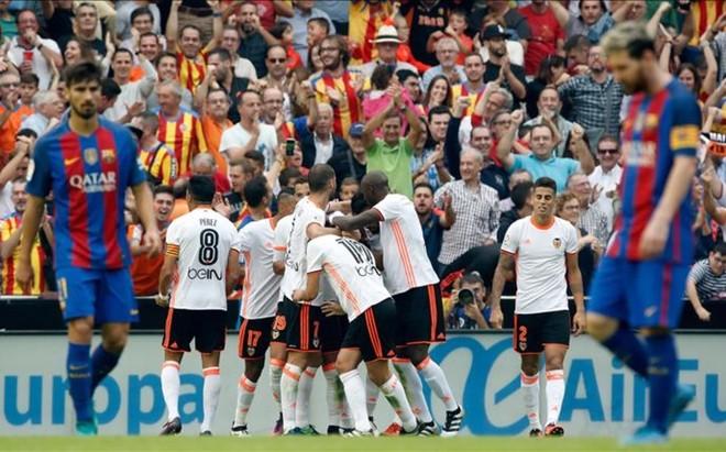 Munir celebr� el gol as� con sus compa�eros