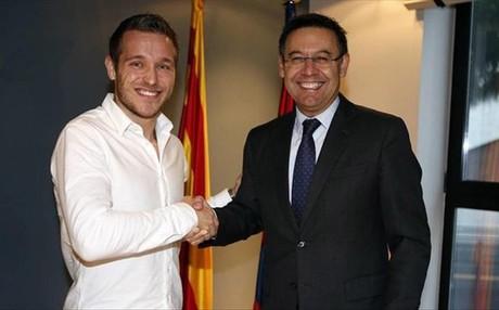 V�ctor Tom�s y Josep Maria Bartomeu sellaron el nuevo contrato del capit�n blaugrana