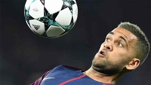 Dani Alves fichó por el PSG