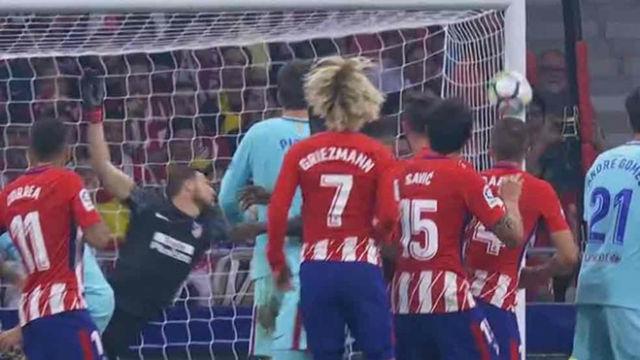 LALIGA | Atlético Madrid - FC Barcelona (1-1): La falta de Messi que se estrelló en el poste