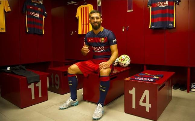 ¡Arda Turán vende 24.000 camisetas del FC Barcelona en solo dos días!
