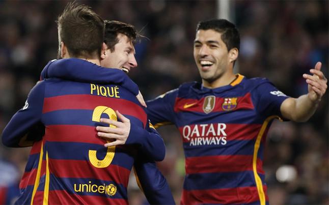 El FC Barcelona sufrió para remontar a un Sevilla muy peleón