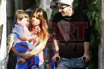Messi, un padre feliz que dejar� el viernes las muletas